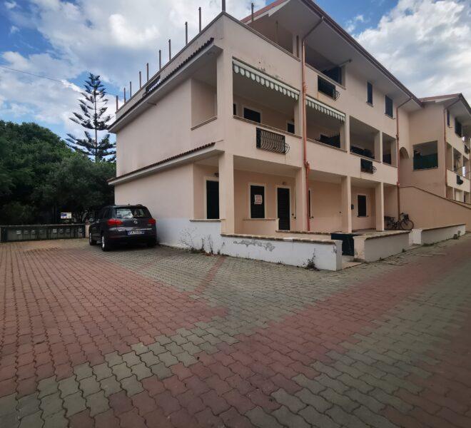 proprietà in vendita a Le Castella (3)